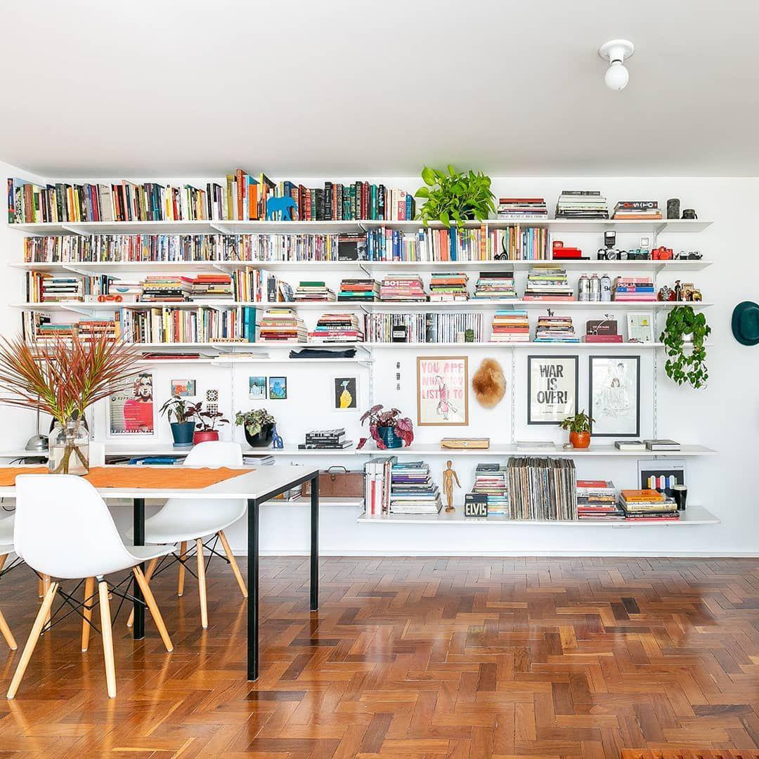 """Photo of Histórias de Casa   Blogg på Instagram: """"Um apartamento vazio poderia ser um desafio assustador para algumas pessoas, mas para a arquiteta Ana, essa tela em branco é uma…"""""""