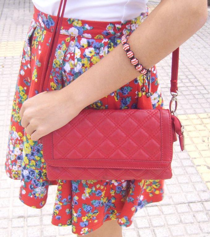 Sweet Style: Flowers in my skirt - wearing cutey red ...