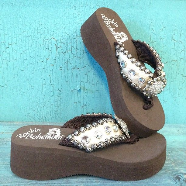 549840506dd Rockin Bohemian - really cute flip flops! www.rockinbohemian.com ...
