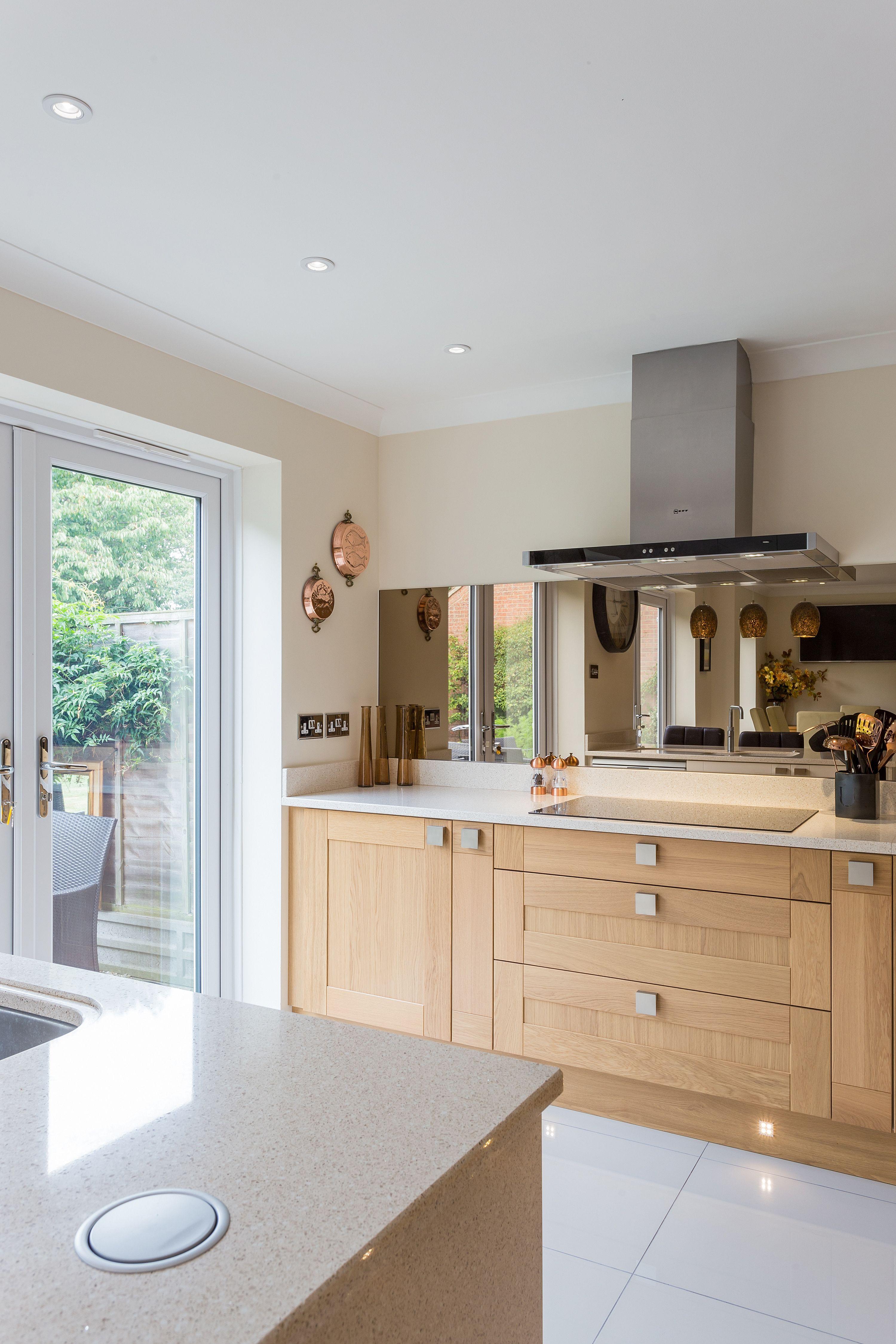 Beautiful Oak And Almond Shaker Kitchen With Smokey Glass Splash Backs Accentuating This Sophisticated Modern Oak Kitchen Bespoke Kitchen Design Kitchen Design
