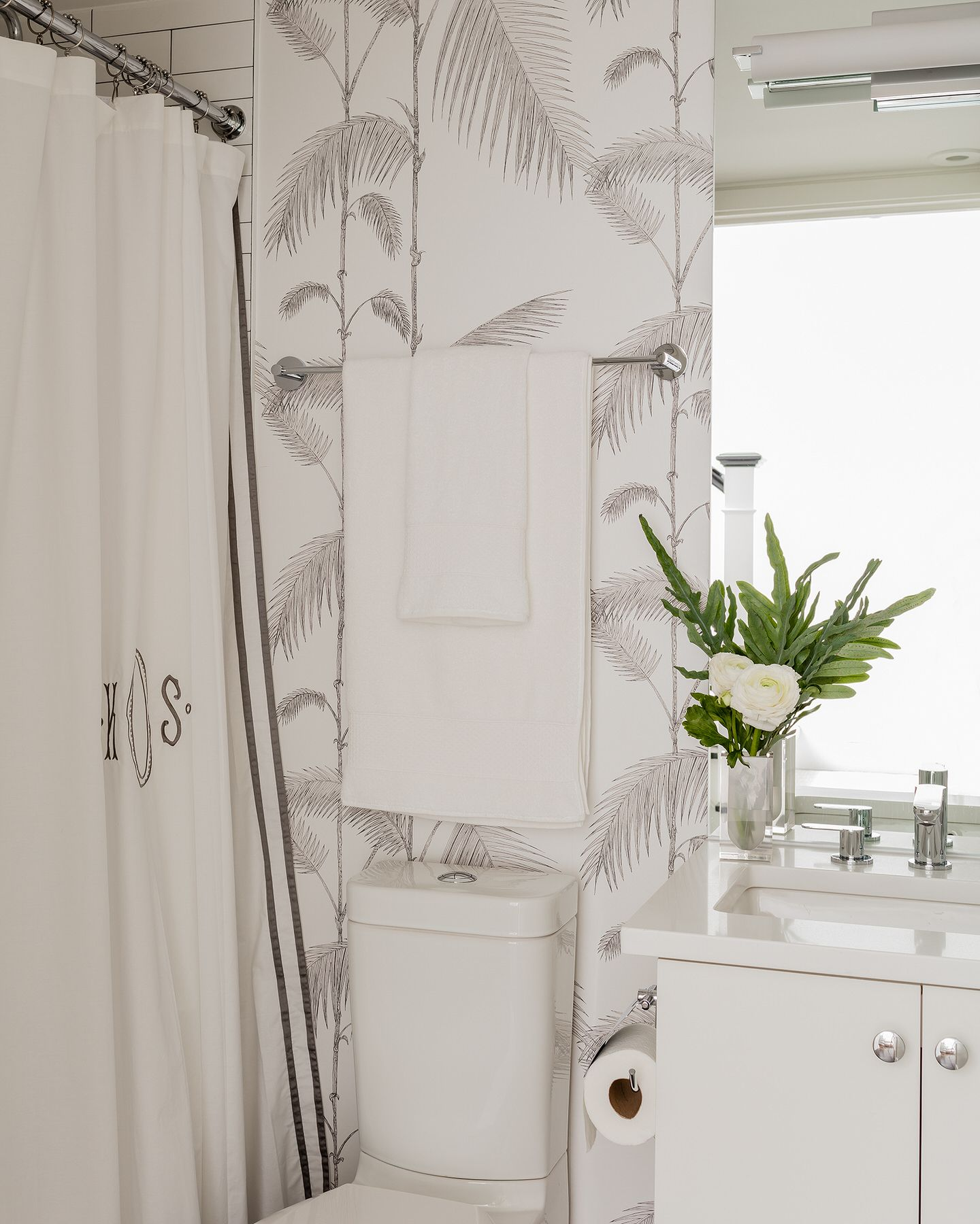 Cole And Son Palms Wallpaper In Bathroom (Elements Of Style Erin