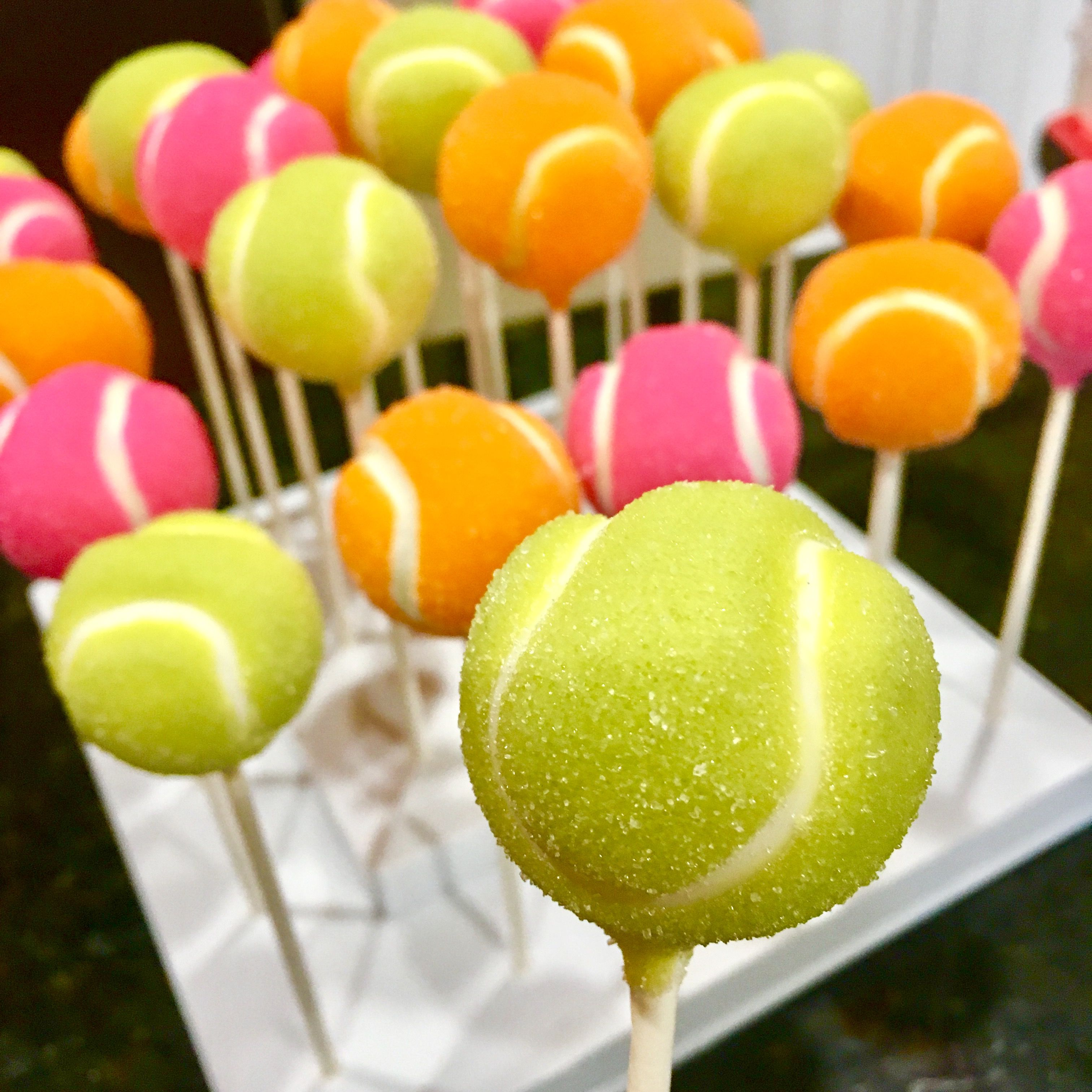 Tennis ball cake pops cake pops balls all occasions pinterest geburtstag torte torten and - Cake pops 50 geburtstag ...