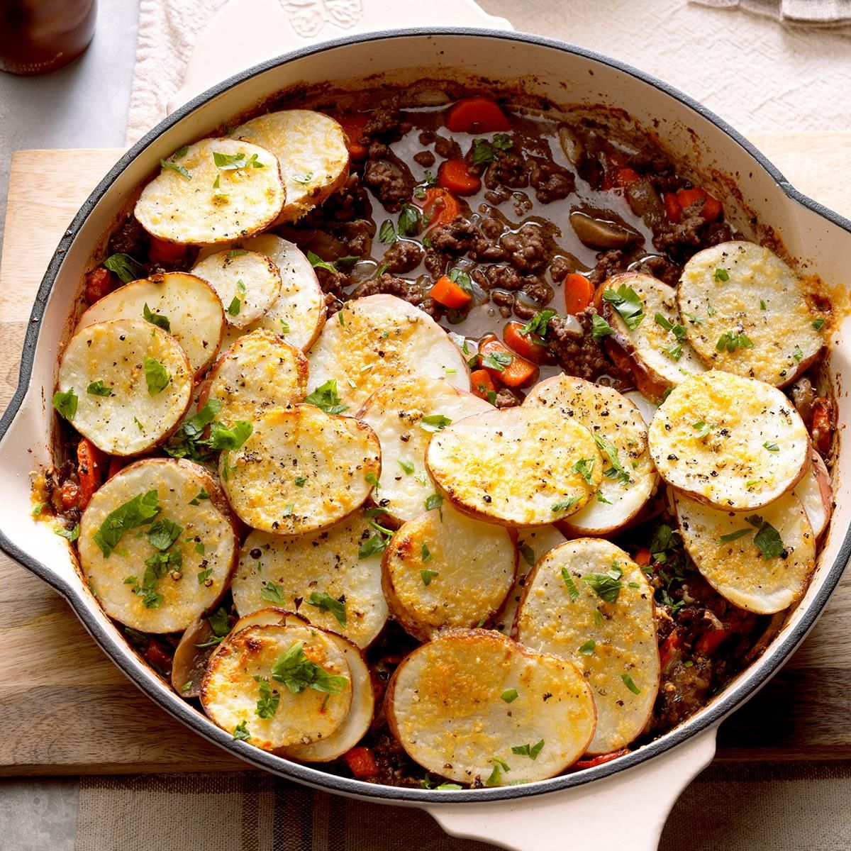 Potato Topped Ground Beef Skillet Recipe Beef Skillet Recipe Recipes Beef Dinner