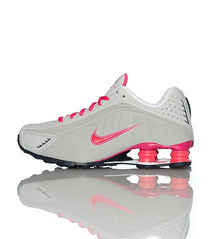 dd5ba8f6dcdf low top NIKE swoosh on sides of shoe SHOX NZ heel for comfort Padded tongue  with logo and bubble Perforation throughout