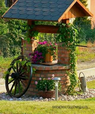 Idea for ugly faux well in our yard Ogrodnictwo Pinterest - jardines con llantas