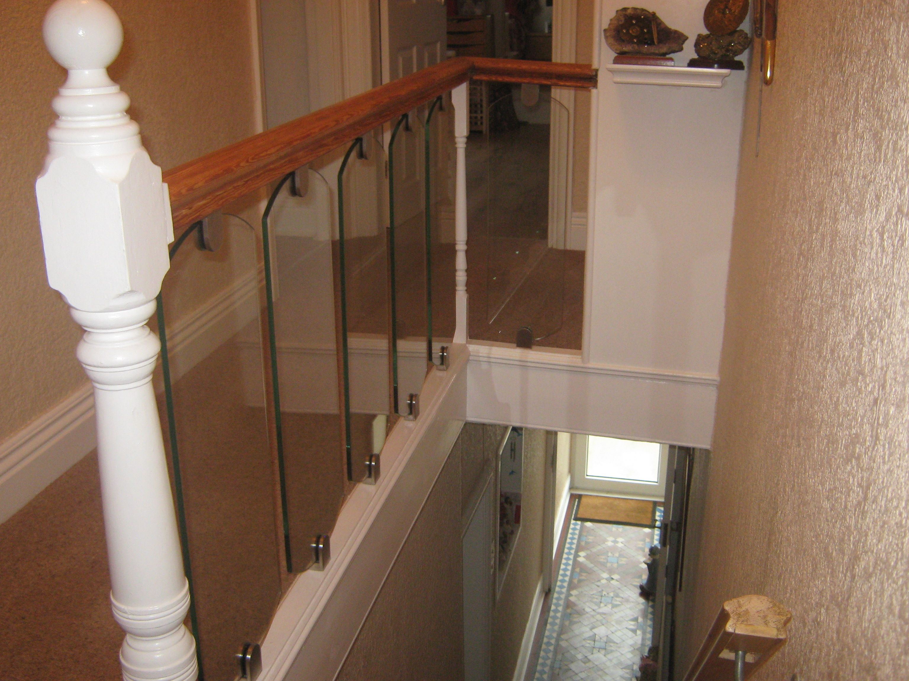 Best Glass Infill Panels To Staircase Landing By Diomet Glass 400 x 300