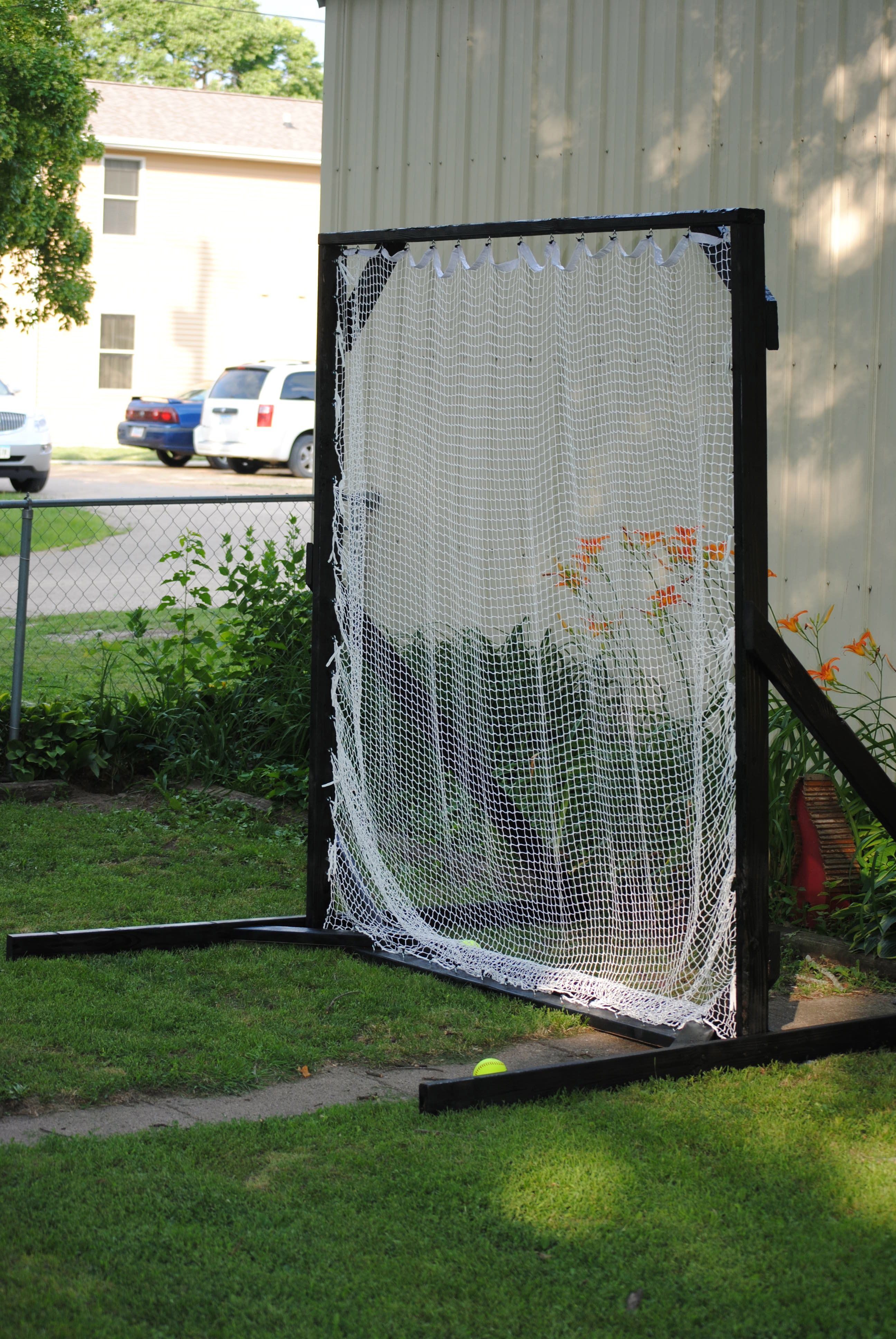 softball baseball net for hitting and learning to pitch