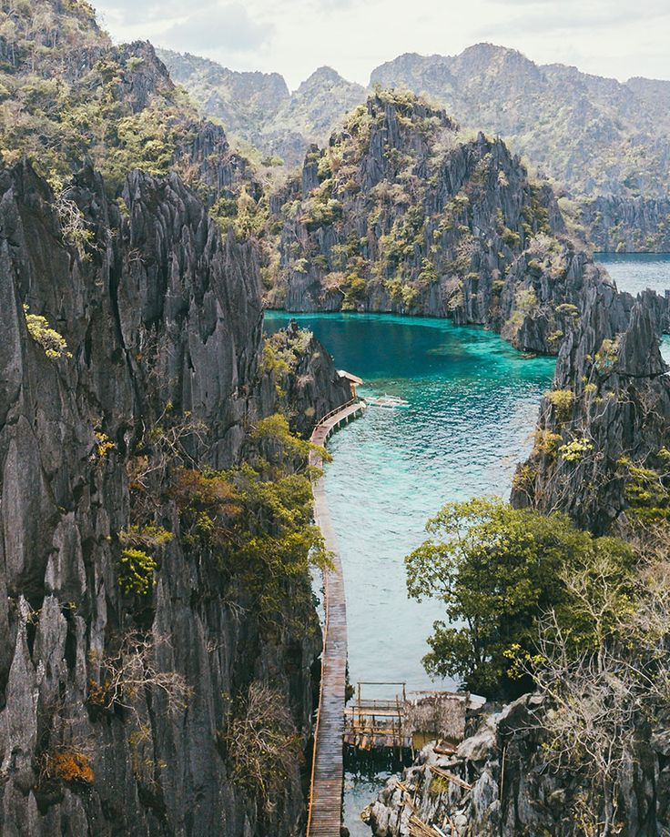 Island Hopping in Coron, Philippines. All the best islands to visit while you are here! #coron #philippines #asia #asiatravel #islandhopping #islandlife #wheretogo Asia   Travel Destinations   Photo   Photography   Luxury   Backpack   Backpacking   Vacation   Budget   Off the Beaten Path   Bucket List   Wanderlust   Things to Do   Culture   Food   Tourism   #travel #vacation #backpacking #budgettravel #wanderlust #Asia
