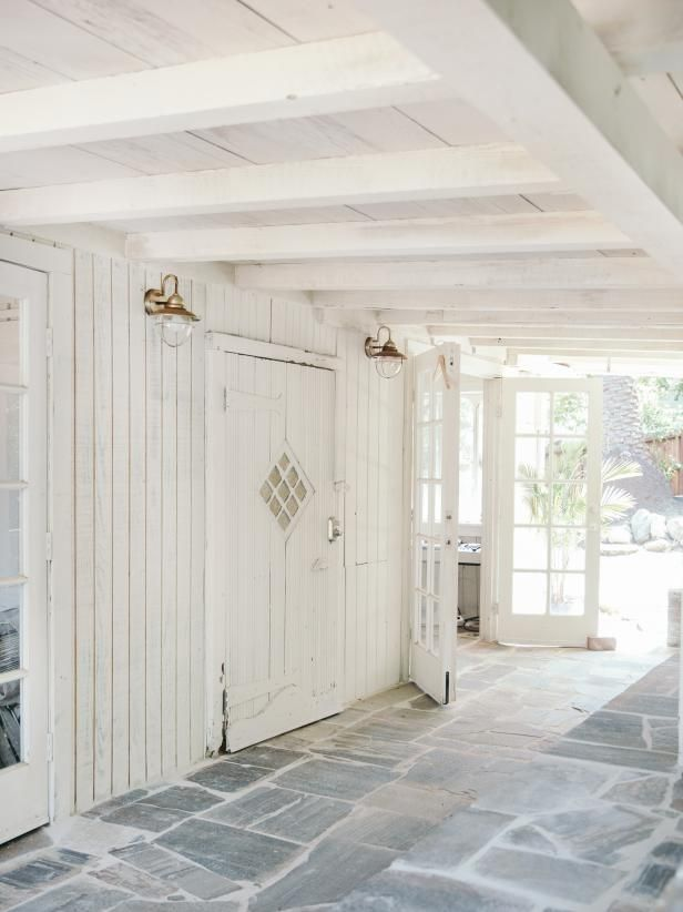 Leanne Ford's Restored 1906 Cottage in LA's Echo Park #leannefordinteriors