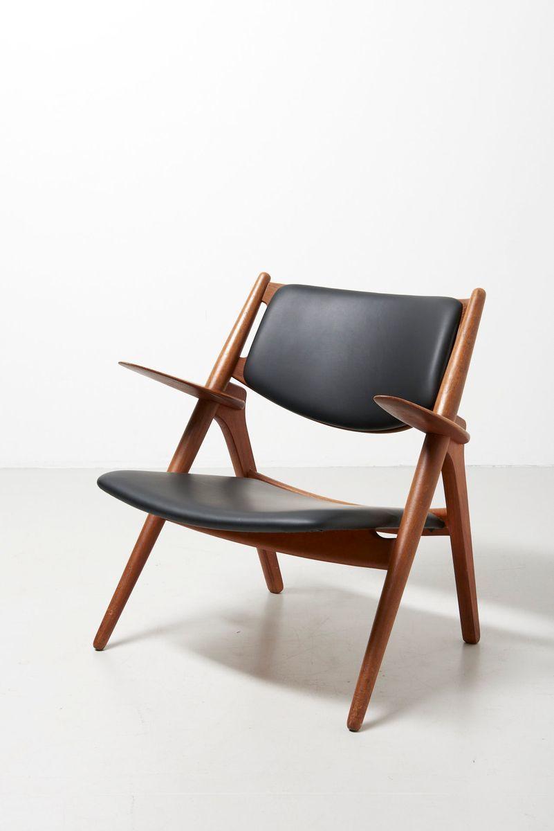 Wondrous Ch28 Sawbuck Oak Black Leather Easy Chair By Hans J Inzonedesignstudio Interior Chair Design Inzonedesignstudiocom