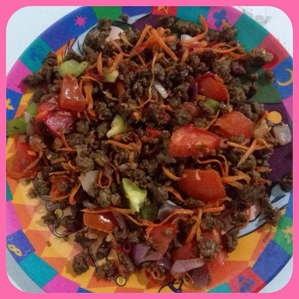 Boa Noite!  Jantar (prato de sobremesa)  #julianamaismagra #rumoao56kgs #zerocarbo #lowcarb #euemamaefitnessnofoco #juntascomaaline #saiefeitoplatô by juliana.coelho.376043
