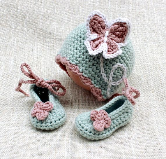 Crochet Baby Girl Hat and  Booties Set Hat and di LoopsInBloom
