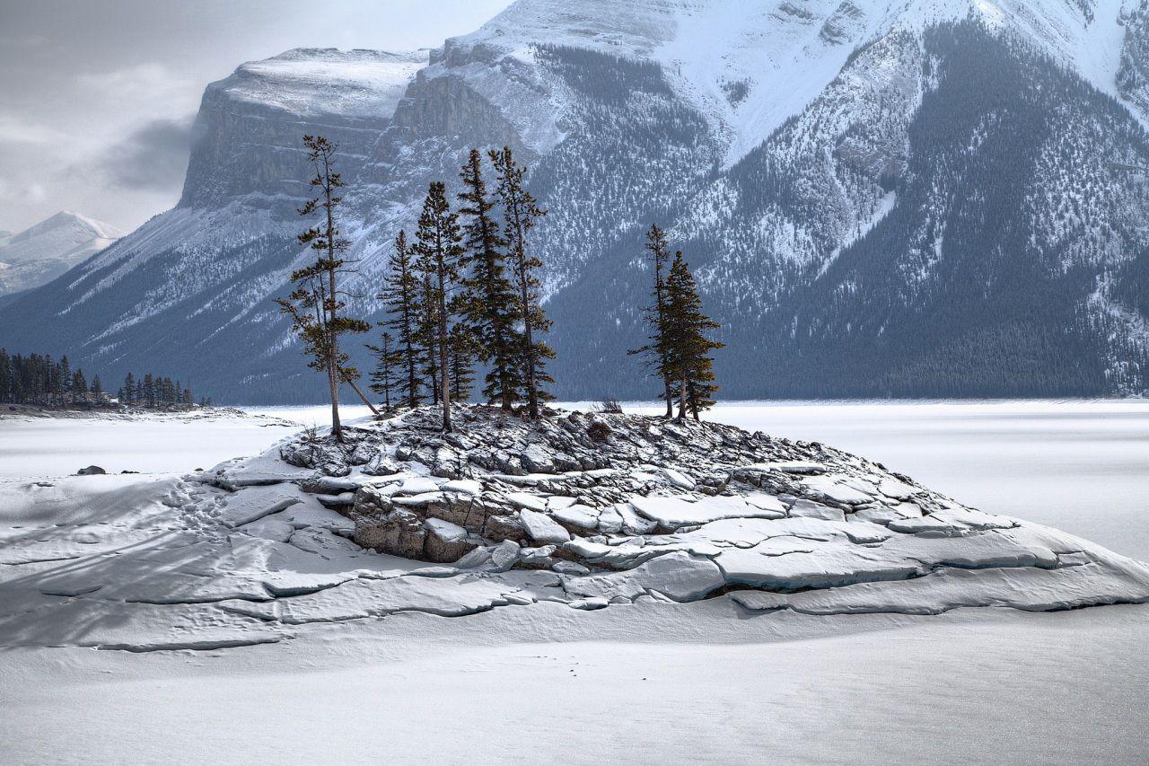 montagnes hiver lac neige nature paysages d 39 hiver 2 pinterest hiver neige et nature. Black Bedroom Furniture Sets. Home Design Ideas