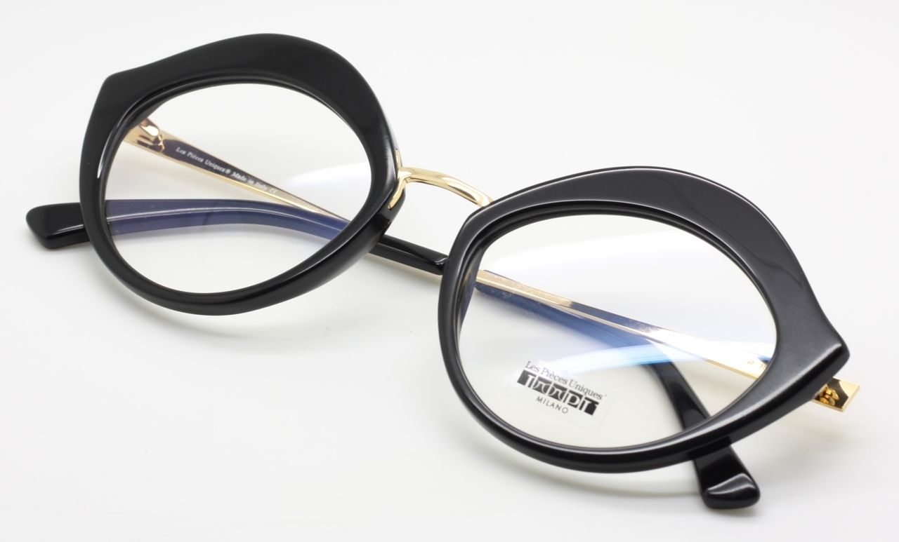 The Old Glasses Shop Extremely Unique Les Pieces Uniques Sole Oversized Cat Eye Frame In Black And Gold 13 Cat Eye Frames Eye Frames