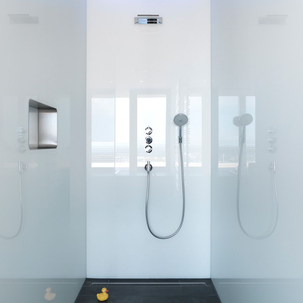 Perfekt Integriert Alles An Seinem Platz Gm Ishower Fugt Sich Aufgrund Der Flachenbundigen Montage Elegant Und Funktional In D Glasruckwand Duschnische Dusche