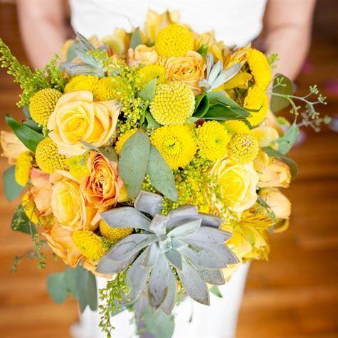 Gelber Brautstrauß | Megan & Seth Fotografie - #Brautstrauß #Fotografie #gelber #Megan #Seth #brautblume