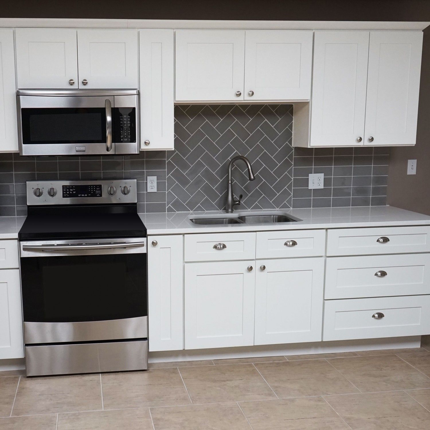 10 Ft Run Kitchen Cabinets Bundle In Shaker White With Soft Close Drawers Doors Everyday Cabinets Kitchen Cabinets Kitchen Doors Kitchen Decor
