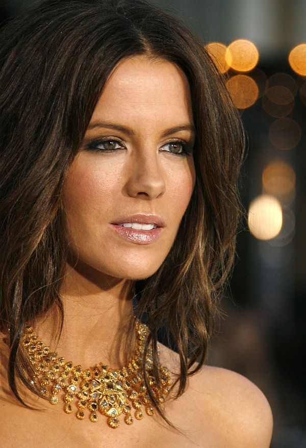 Kate Beckinsale Short Haircut Hair Color Ideas And Styles For 2018