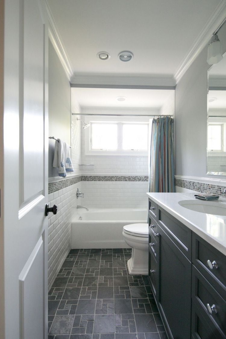 Long narrow hall bath layout idea (mirror image) *M ...