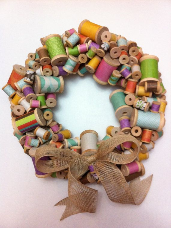 Colorful Wooden Spool Wreath with Burlap Bow -- my mom would of loved this for her sewing room :)