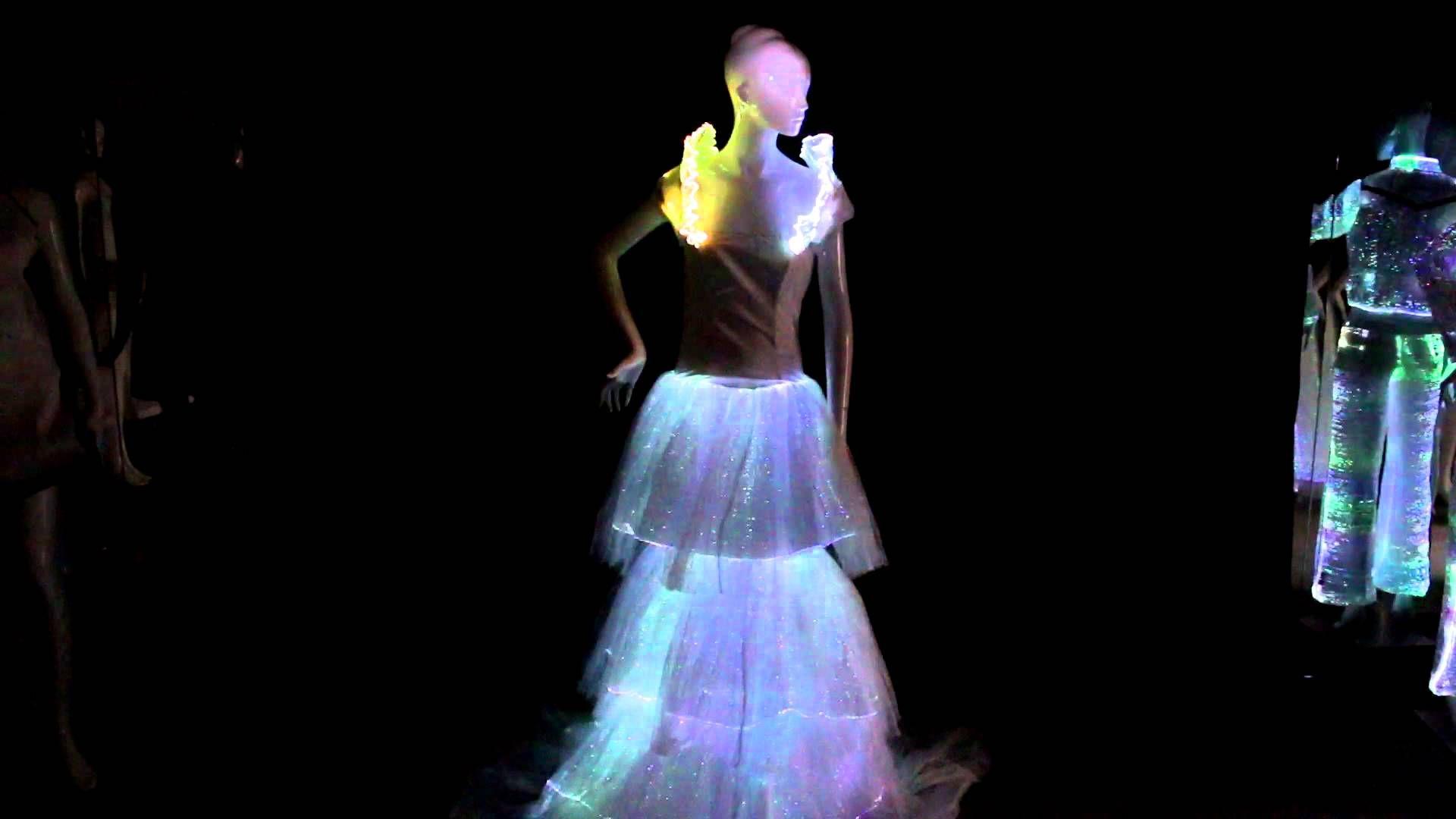 Fiber optic wedding dress  fiber optic fabric luminous bridal gown  Things to Wear  Pinterest
