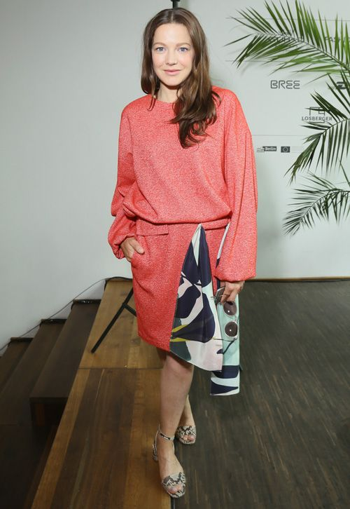 7 Looks aus Berlin, die wir sofort tragen wollen: Das Sweatshirt-Kleid von Perret Schaad