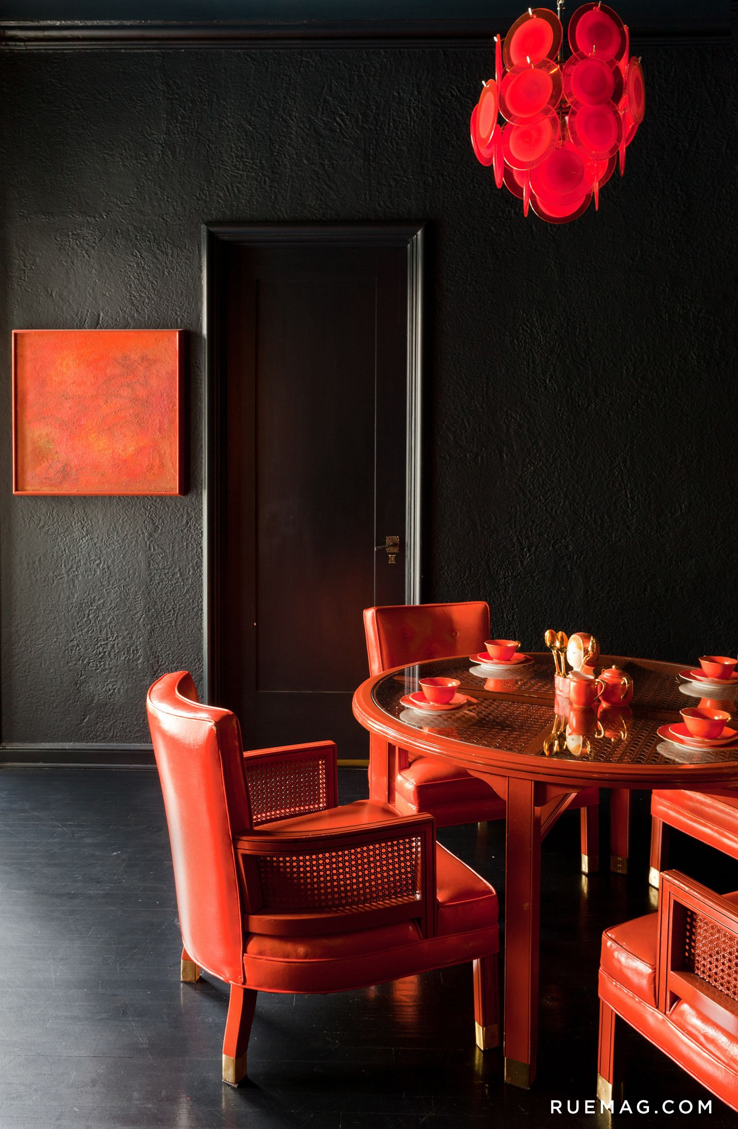 13 Rooms That Prove Black Is Back