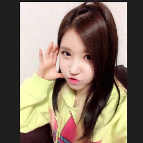 "140928 Ellin's Instagram Update Translated "" 드콘 리허설중… 오늘 너무 덥다…ㅜ.ㅜ #caronpop #ellin #엘린 #경주 #드림콘서트 "" ""Rehearsing for Hallyu Dream Concert… Today is really hot…ㅜ.ㅜ #caronpop #ellin #ellin #kyeongju..."