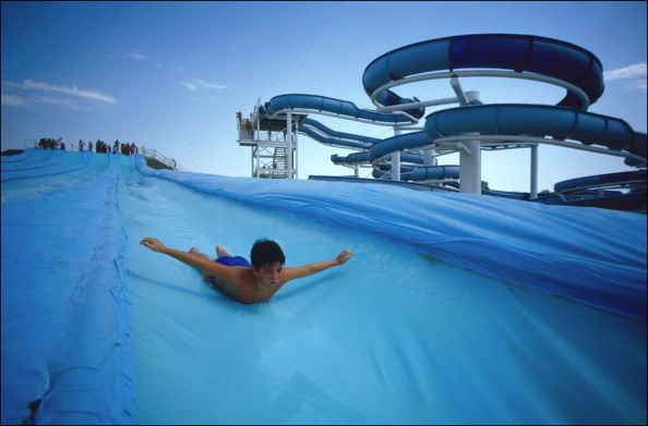 AQUA SPLASH - ANTIBES (06) - FRANCE - (wwwinfoparks) Parcs