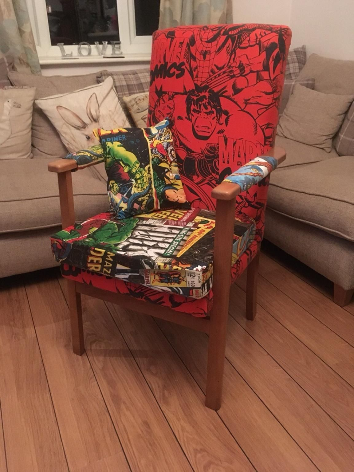 marvel comics retro backed arm chair designstuff upcycling pinterest sch ne dinge. Black Bedroom Furniture Sets. Home Design Ideas