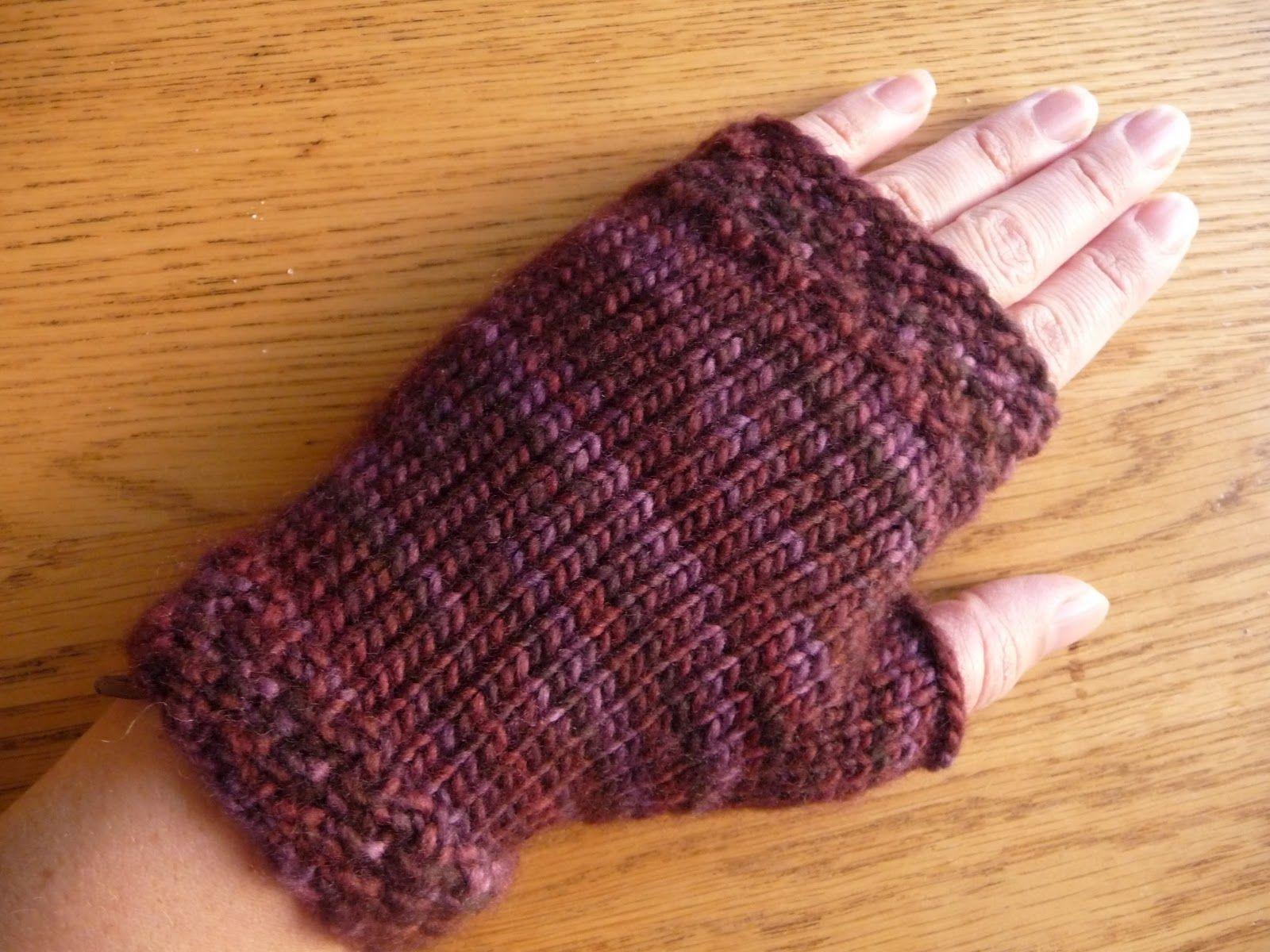 Free Fingerless Mitten Knitting Pattern | Knitting at KNoon Designs ...