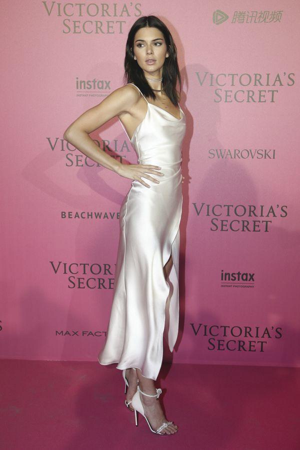 d618f7cf9d kendall-jenner-victoria-secret-fashion-show-after-party-red-carpet