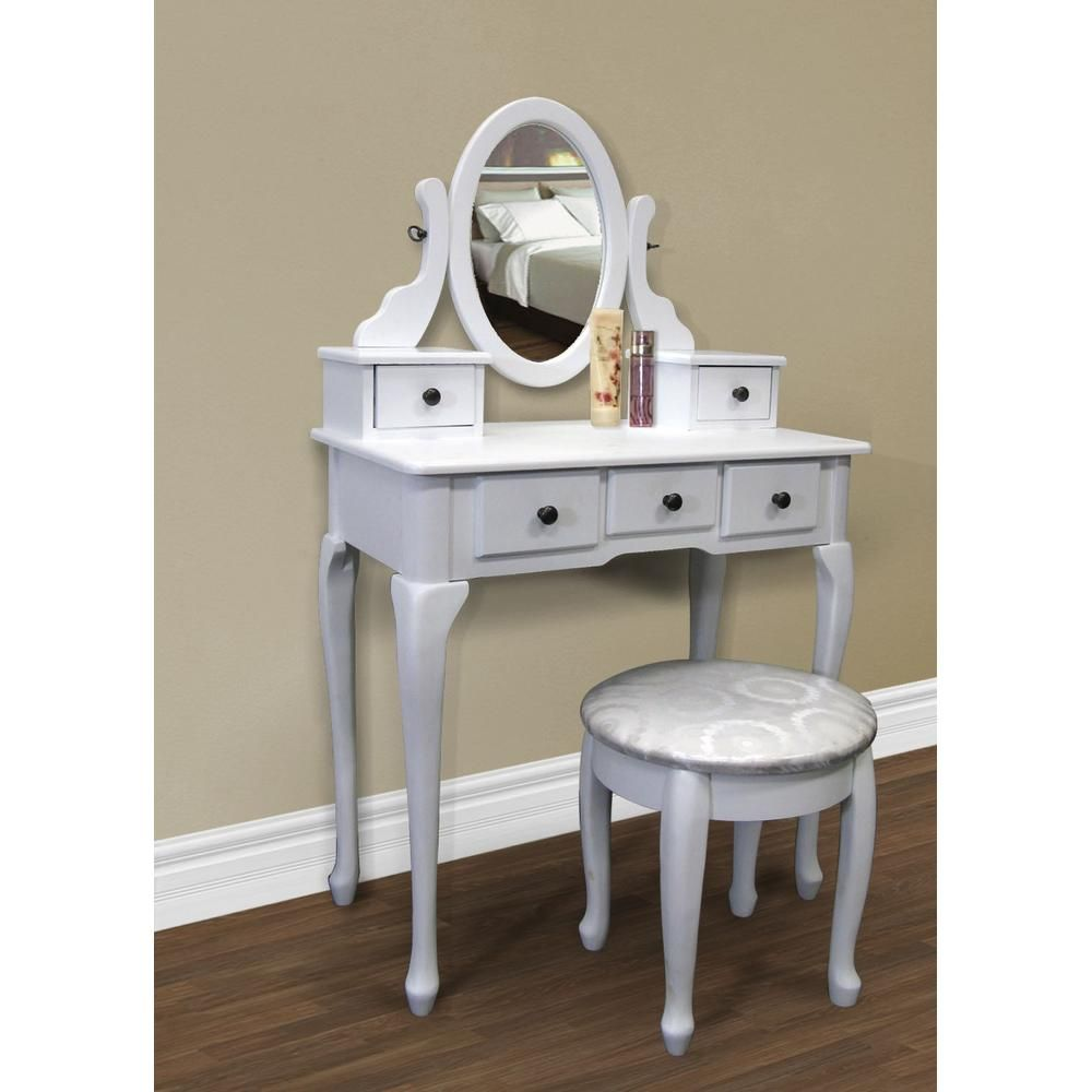 Make up desk this works too bedroom themes ideas pinterest - Small space makeup vanity style ...