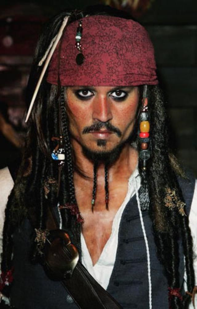 captain jack sparrow costume gareth cattermole getty images - Jack Sparrow Halloween Costumes
