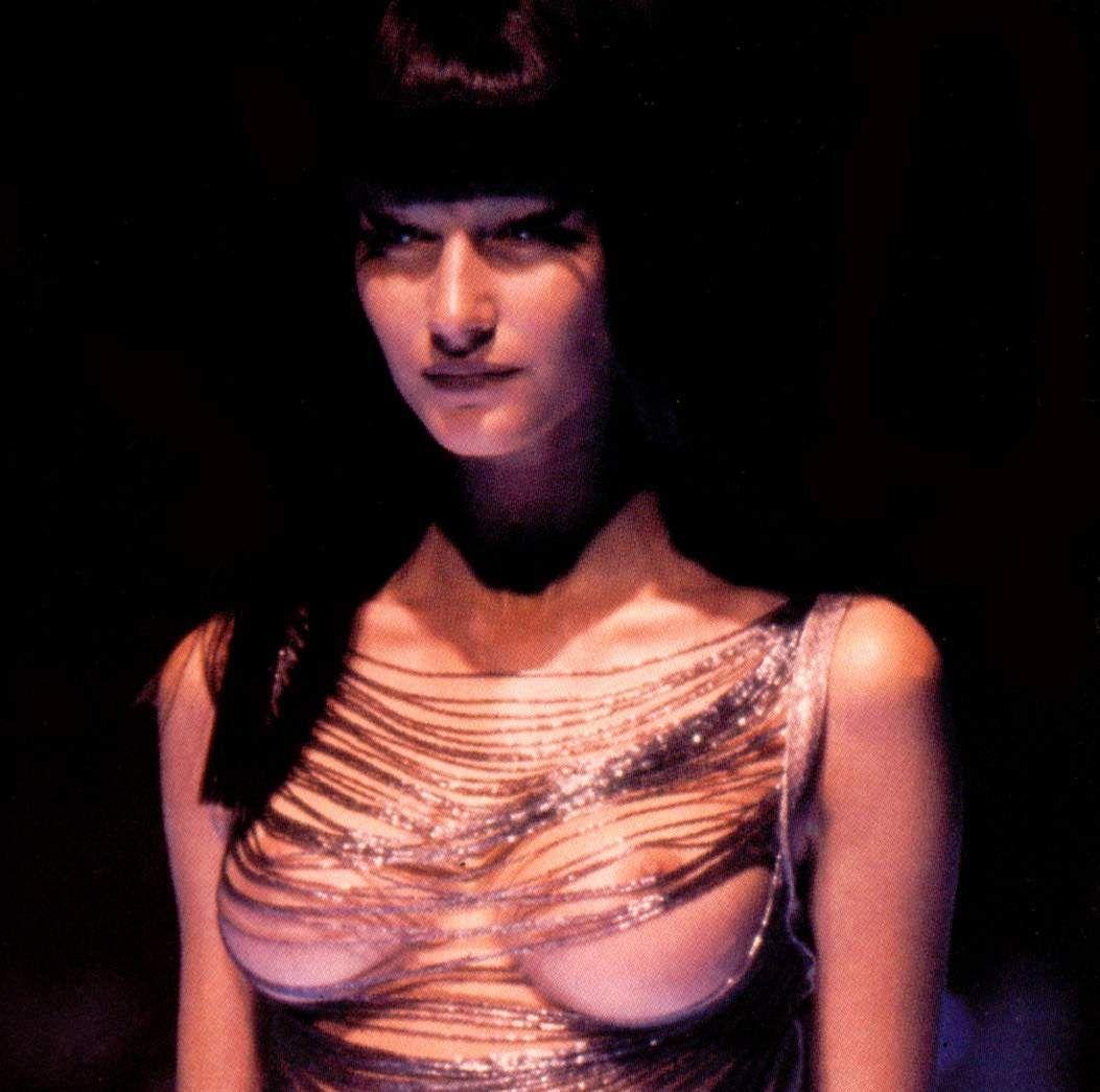 Photos : Gisele Bndchen : nue et affolante dans ses