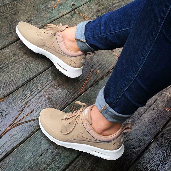 cheap for discount 45b55 9a497 Nike Air Max Thea beige desert camo  Foto erikaalexandra Instagram