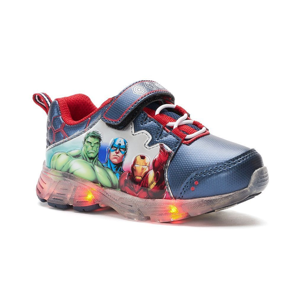 Give your little superhero's outfit an action-packed look with these boys' Marvel  Avengers light-up shoes, featuring Hulk, Captain America and Iron Man.