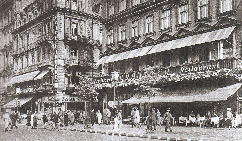 Berlin Unter Den Linden Cafe Kranzler 1940 Berlin Photos Berlin History Of Photography
