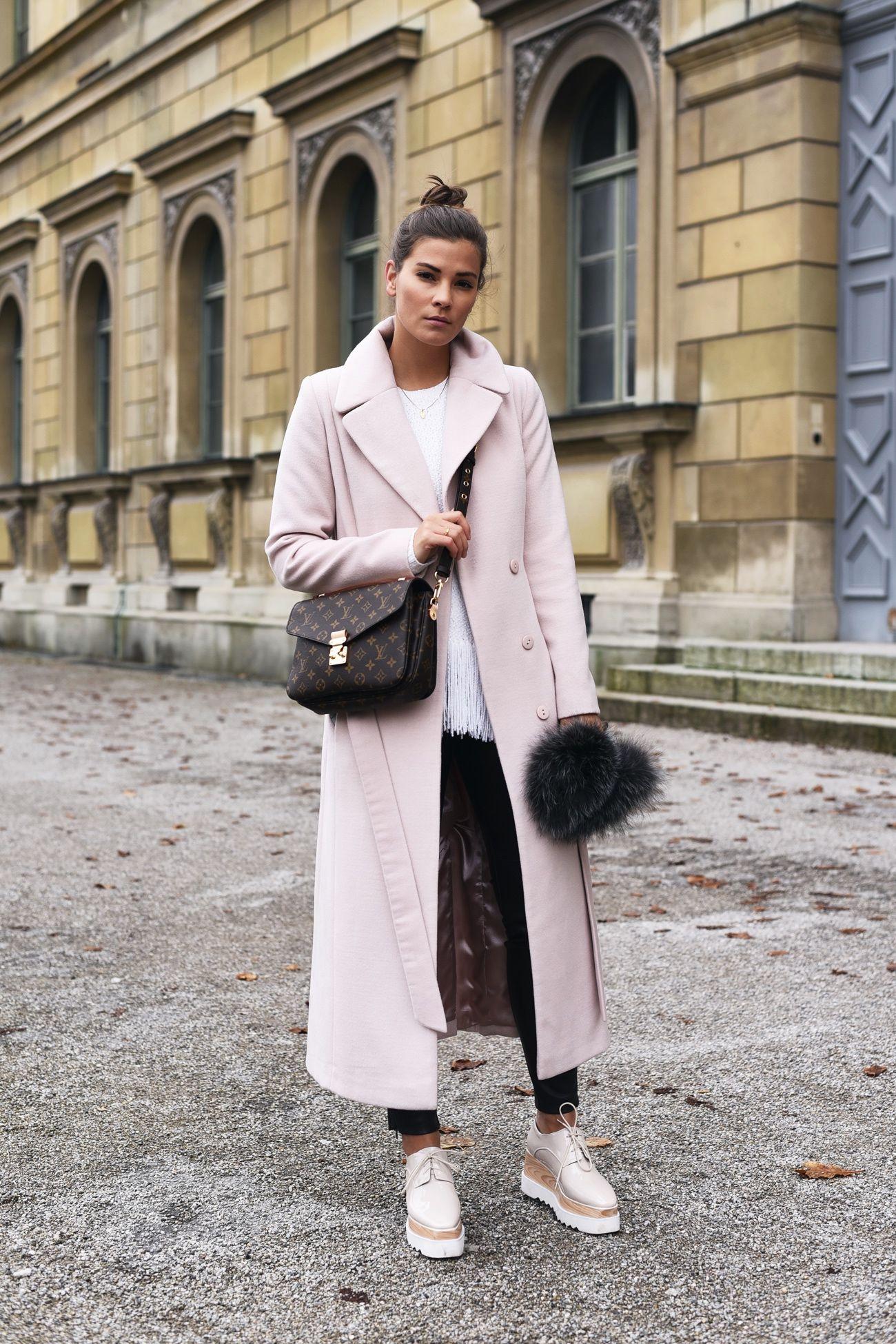 Outfit Pink Long Coat Platform Shoes Louis Vuitton Pochette Sonne Anne Sf8008 Camel Premium Lady Comfort Casual Leather Sandal Pullover Mit Fransen Stella Mccartner Blogger Streetstyle Fashiioncarpet