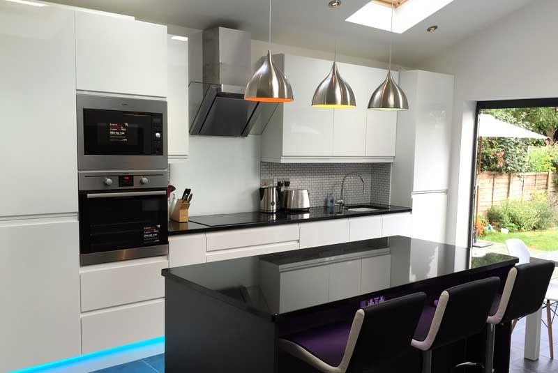 An Innova Luca Gloss White Kitchen -   wwwdiy-kitchens