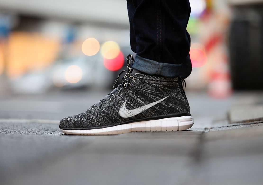 nike free flyknit chukka running shoes