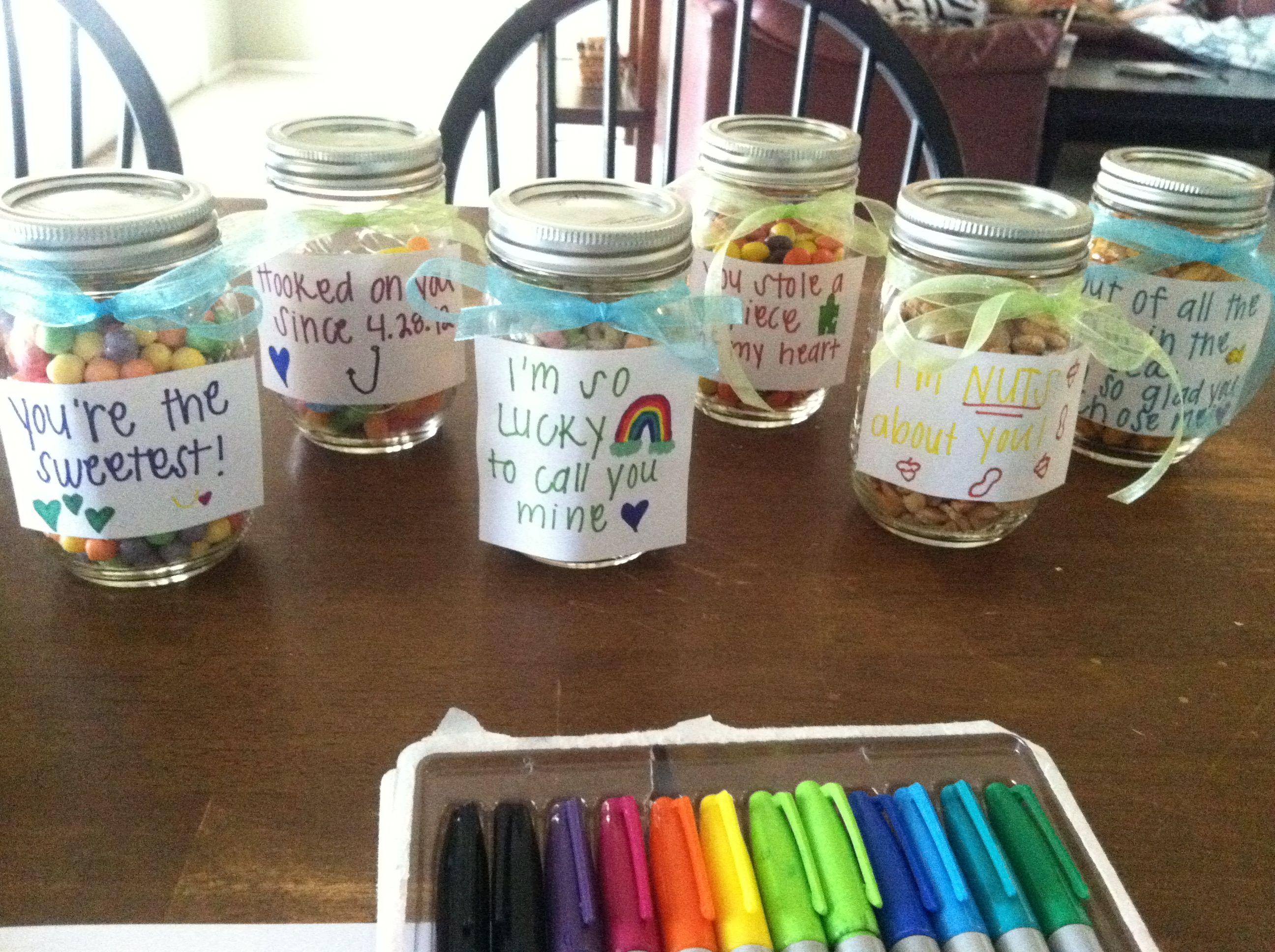 Cute gift idea for the boyfriend for an anniversary