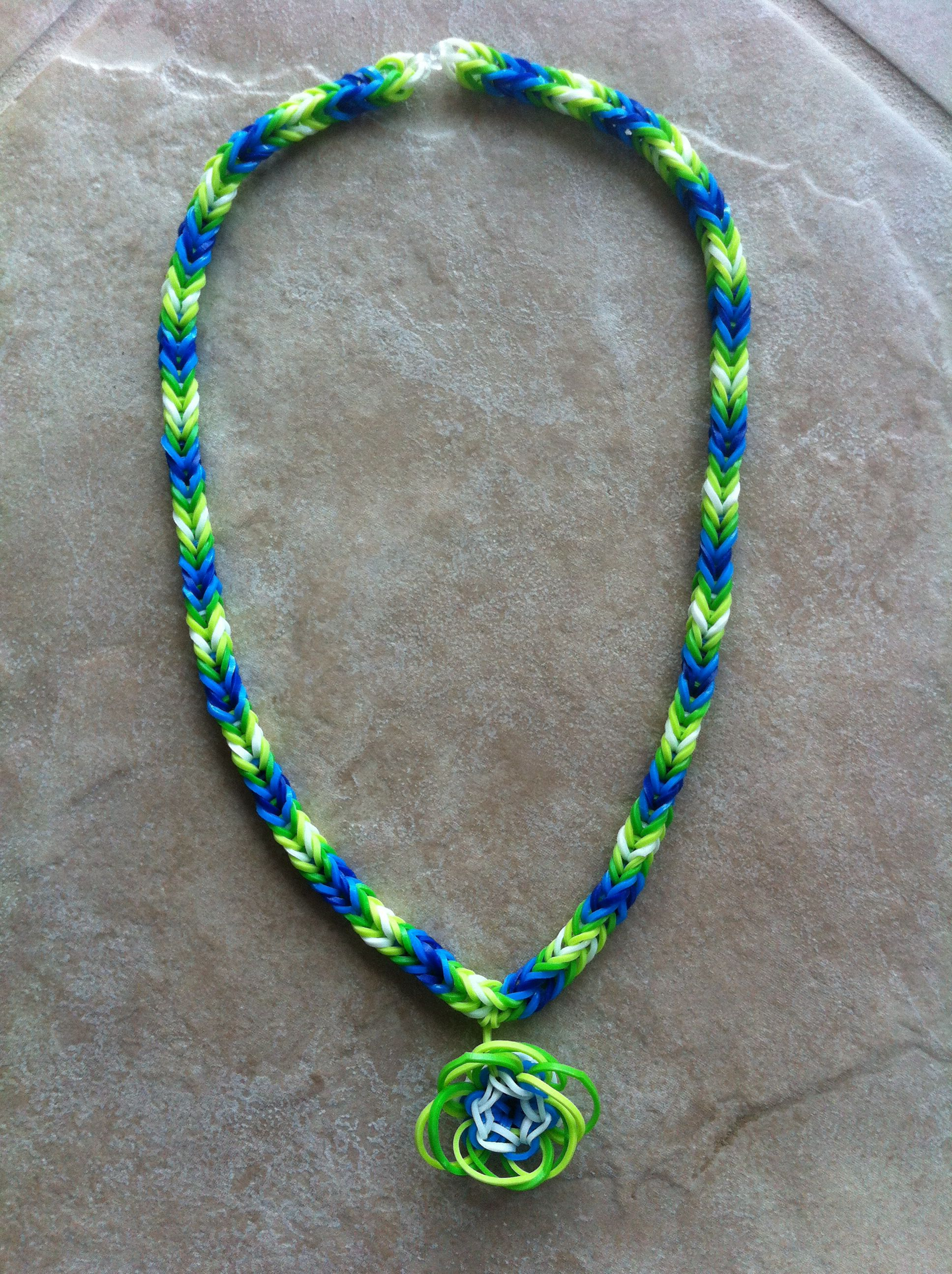 Rainbow Loom Patterns - Rainbow Loom Fishtail Necklace with Flower Charm