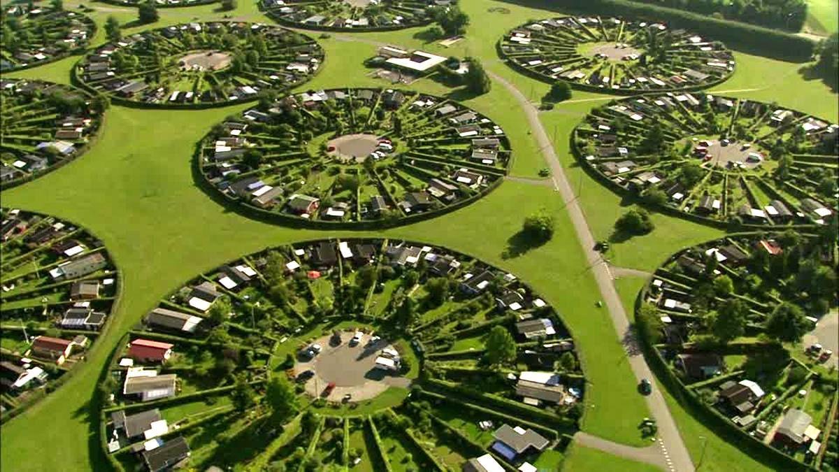 Mandala Urbanism Circular House Arrangements In Brondby