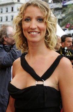 """Alexandra Lamy, la """"copine de J. Dujardin pour information"""