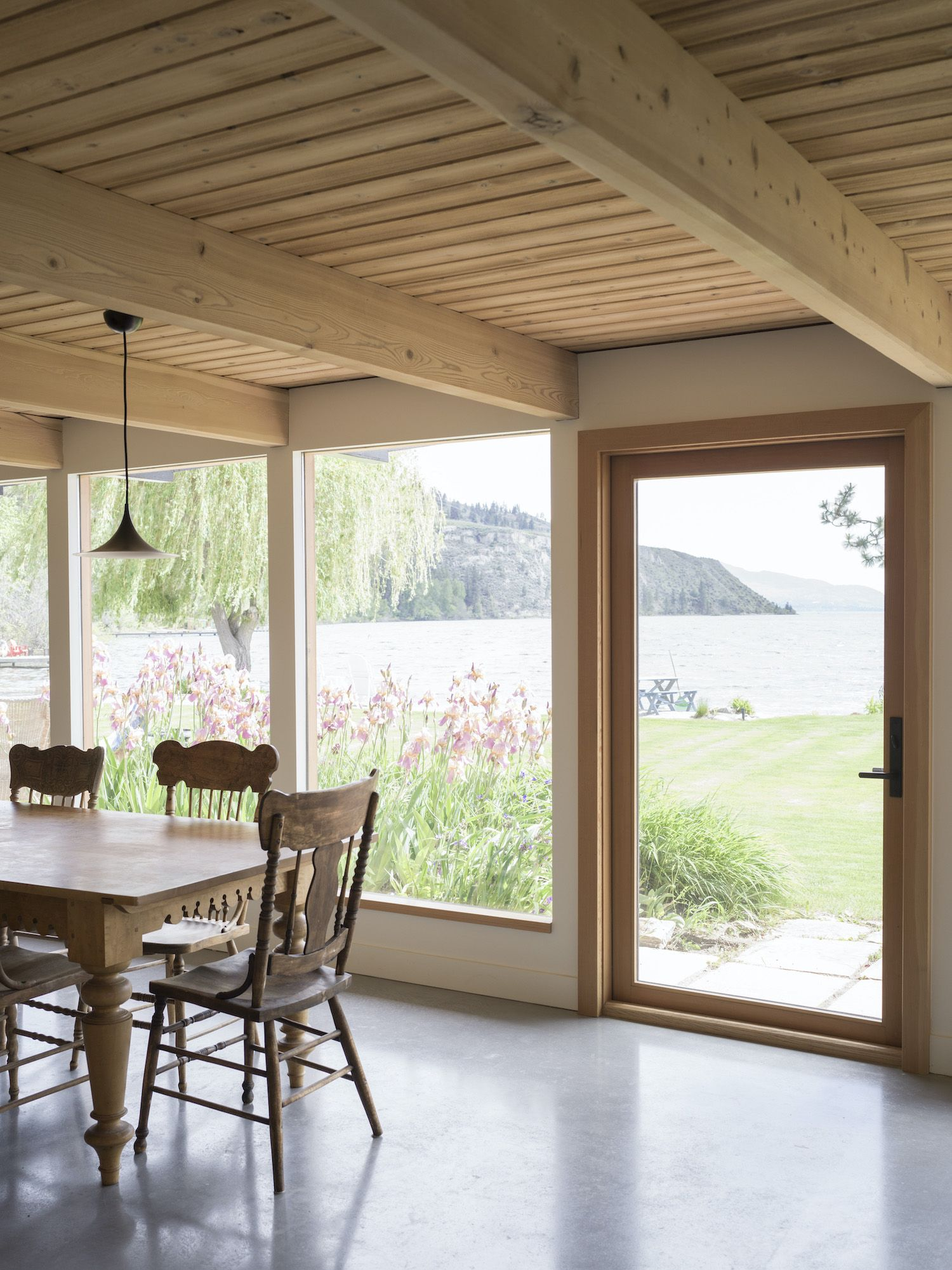 Naramata Summer House by Olivia Bull and Daniel Garrod