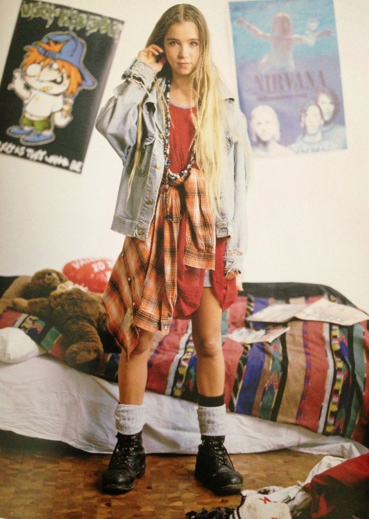Timeline of fashion 90s fashion denim jackets and grunge for 90er party outfit