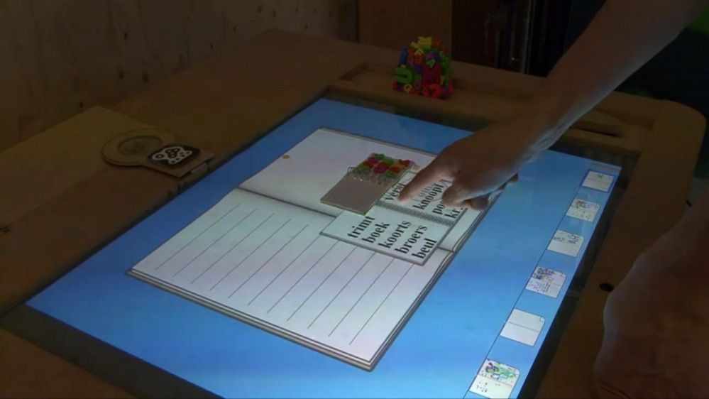 Tangible Language Table « Interactive Table
