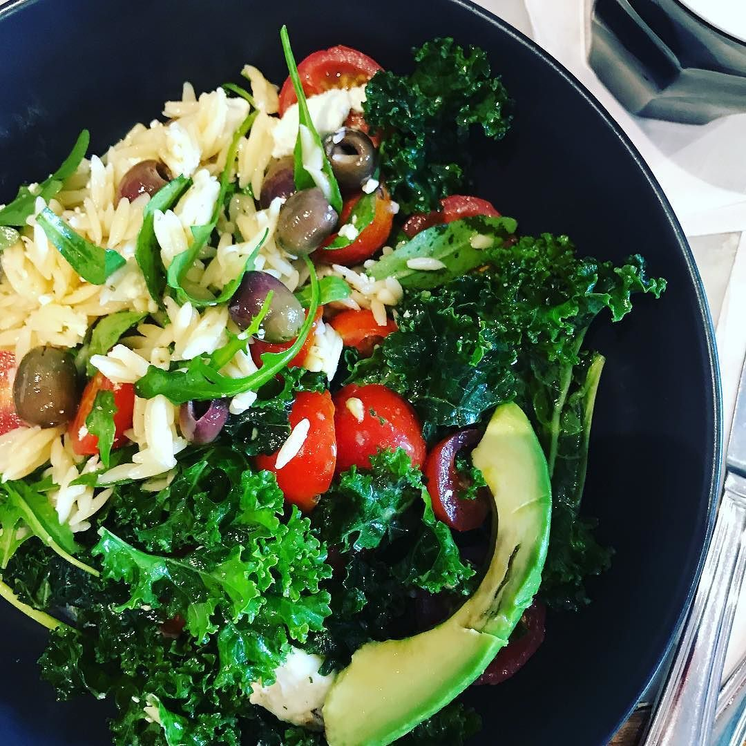Don't usually like kale. But this salad had the softest greenest curly leaves. Not bad!