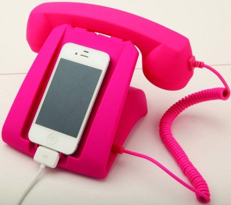 Convierte tu iPhone en un teléfono retro. Cargador y base que permite hablar.